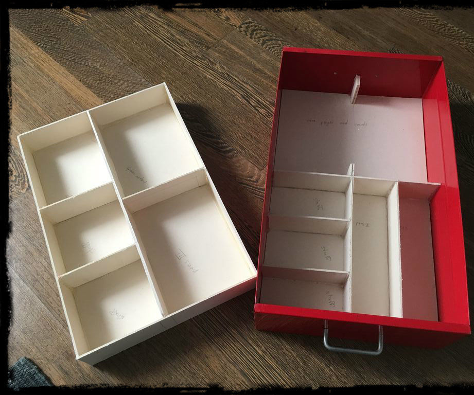 How to organize a drawer by building compartments