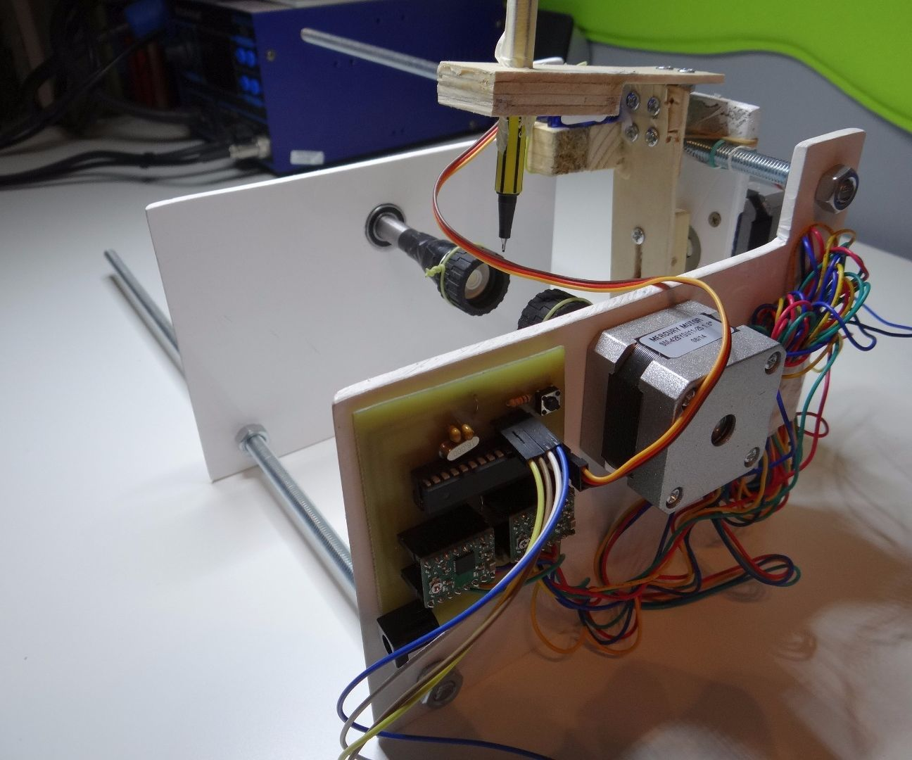 DIY Arduino controlled Egg-Bot