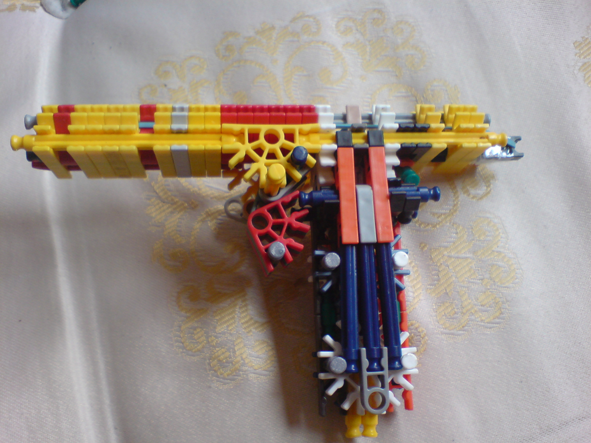 The Desert_Eagle Knex Gun-True trgger, detatchable clip , sturdy, good range
