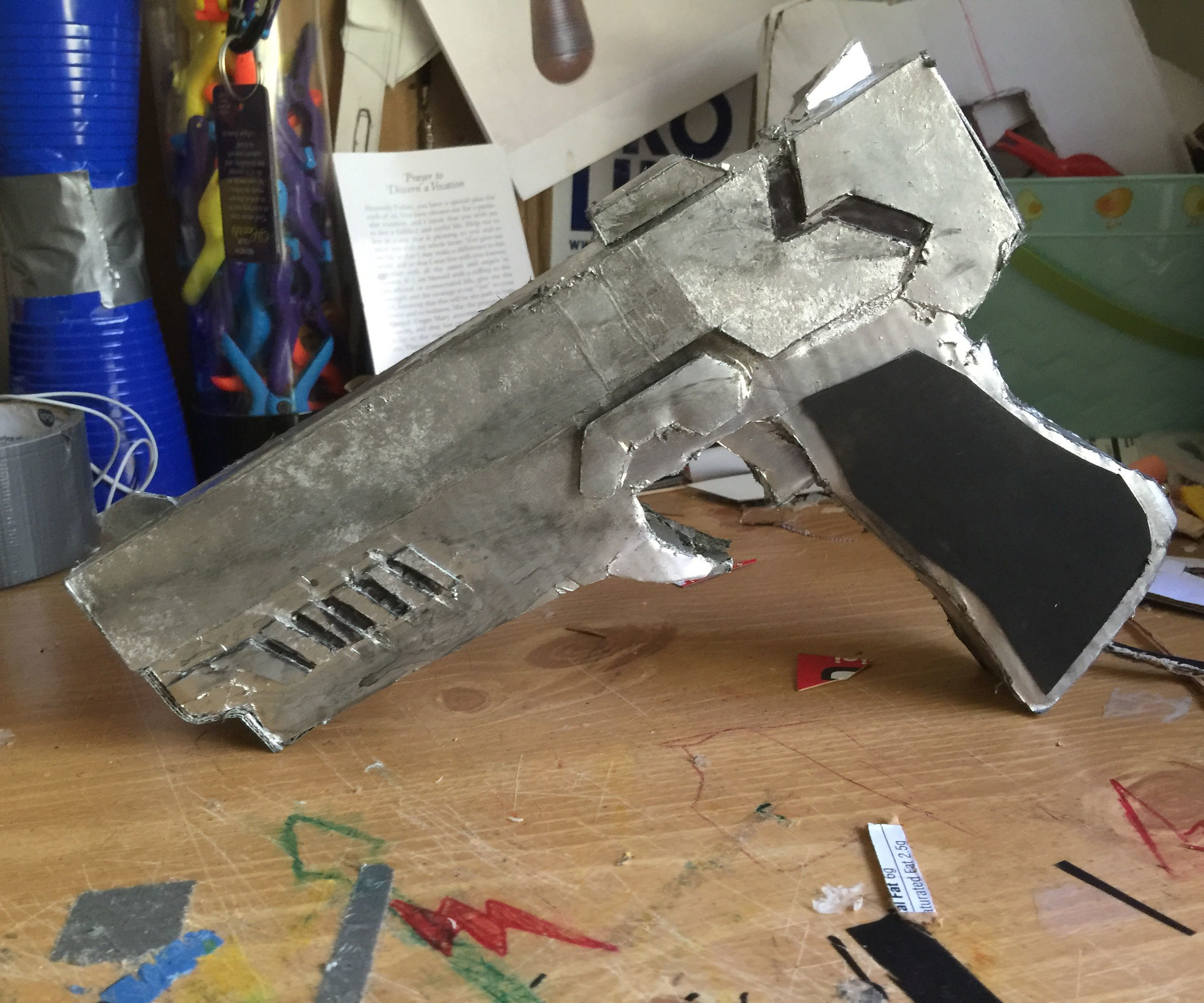 How to make Arkham knight/Red hoods pistols
