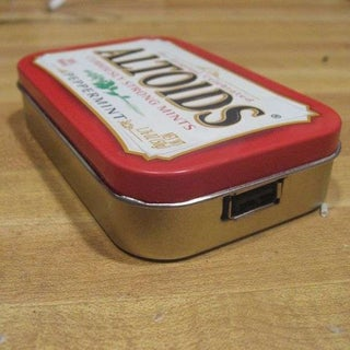 Simple 9v Usb Charger in an Altoids Tin