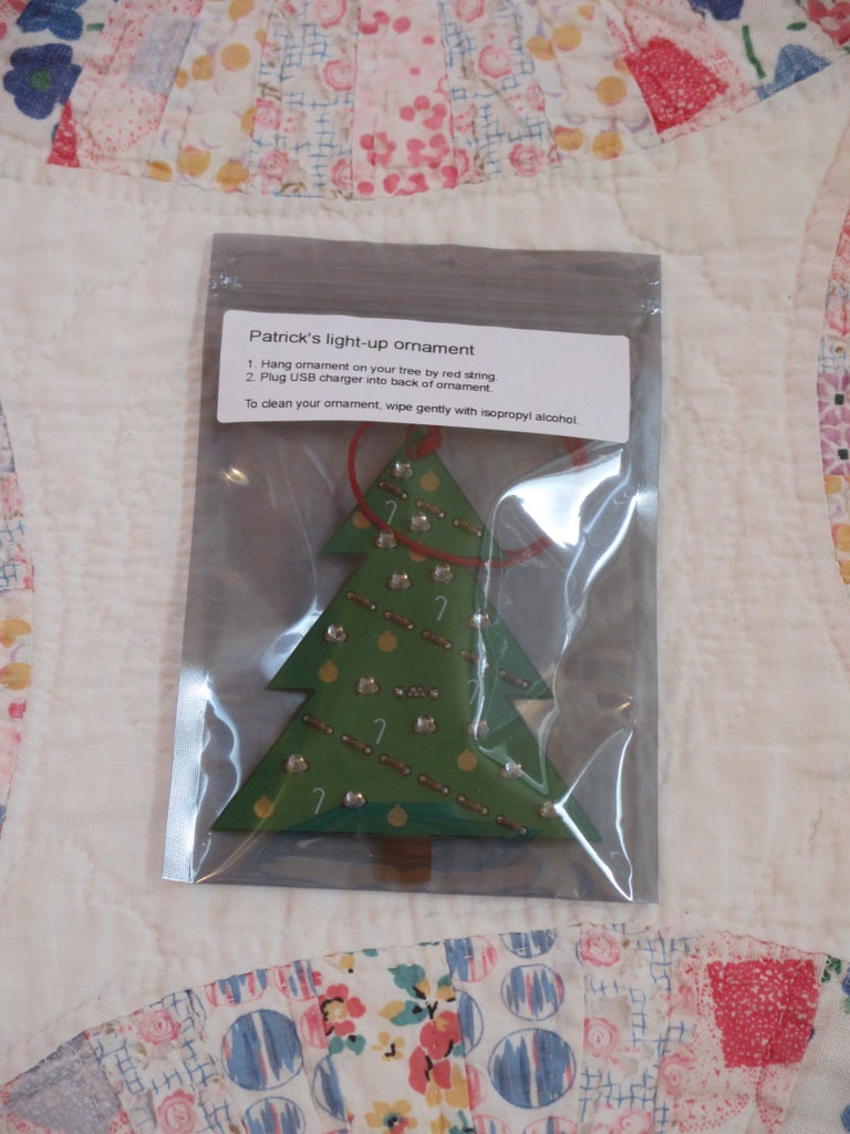 Package the Ornament As a Gift