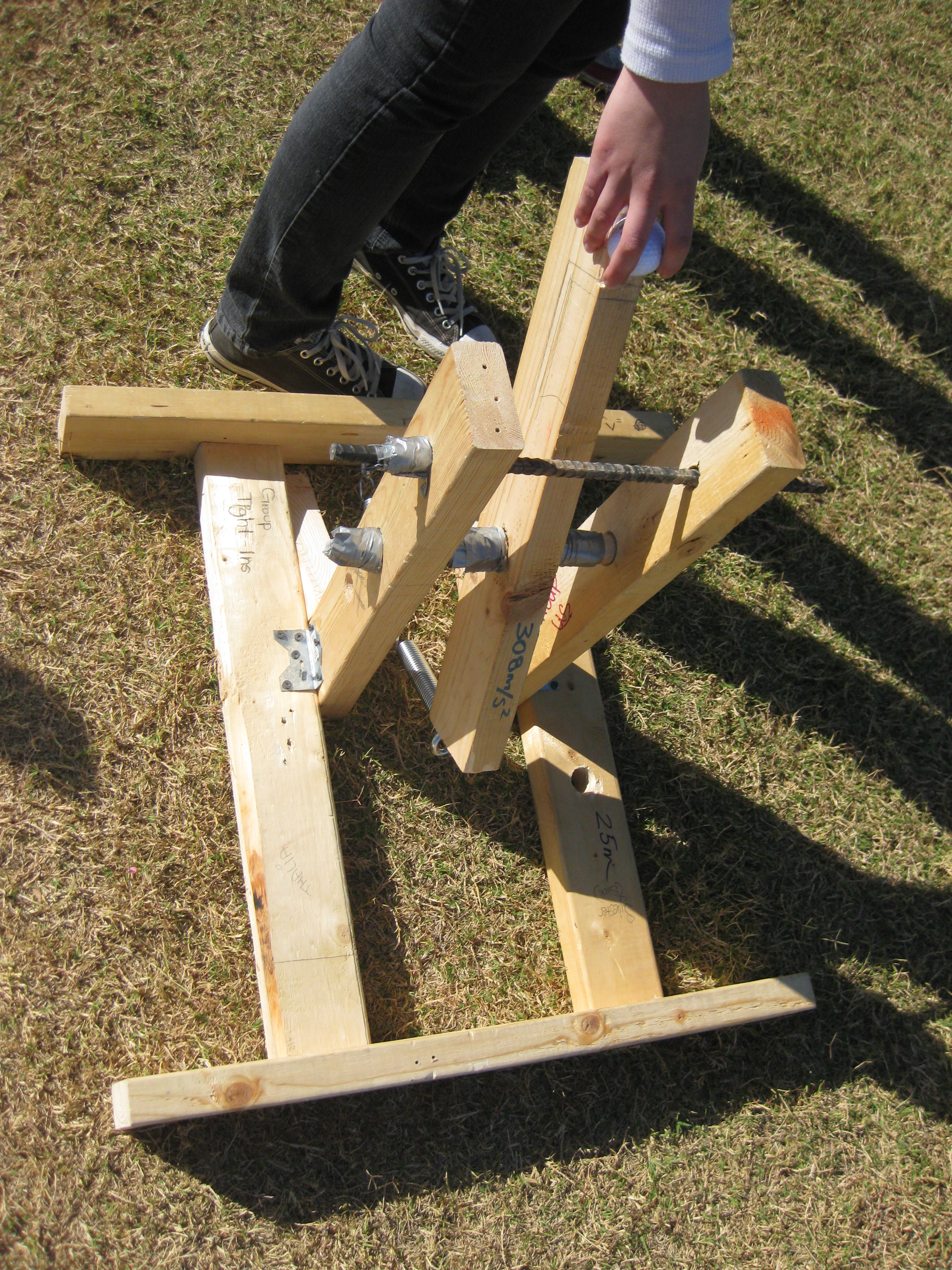 How to build a catapult
