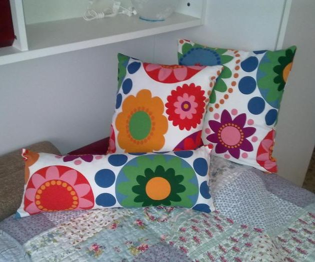 Pillows with zipper (removable lining)