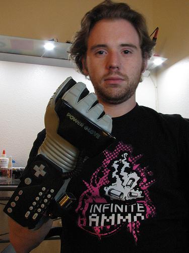 Power Glove 20th Anniversary Edition