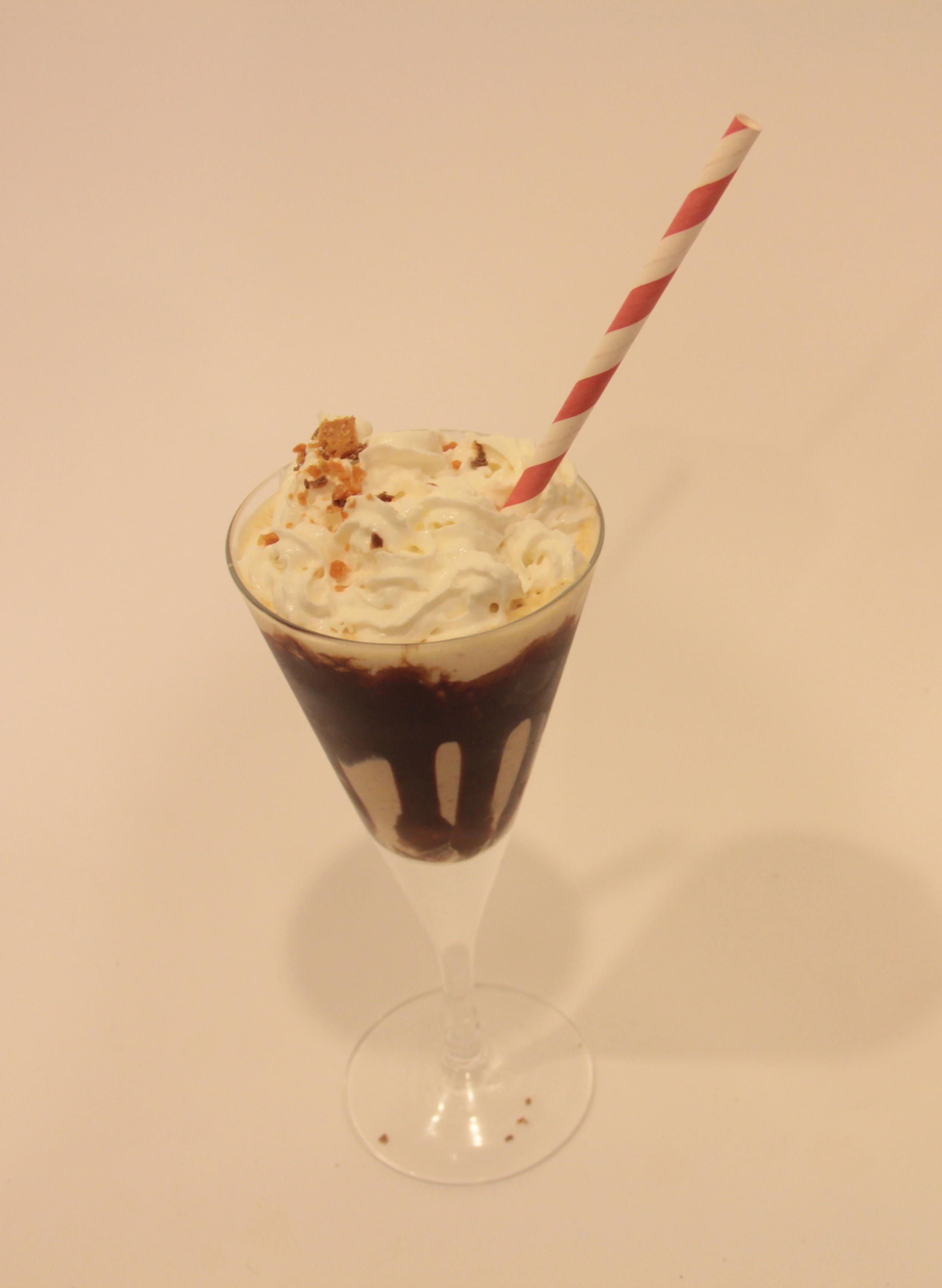 Alcoholic Butterfinger Milkshake
