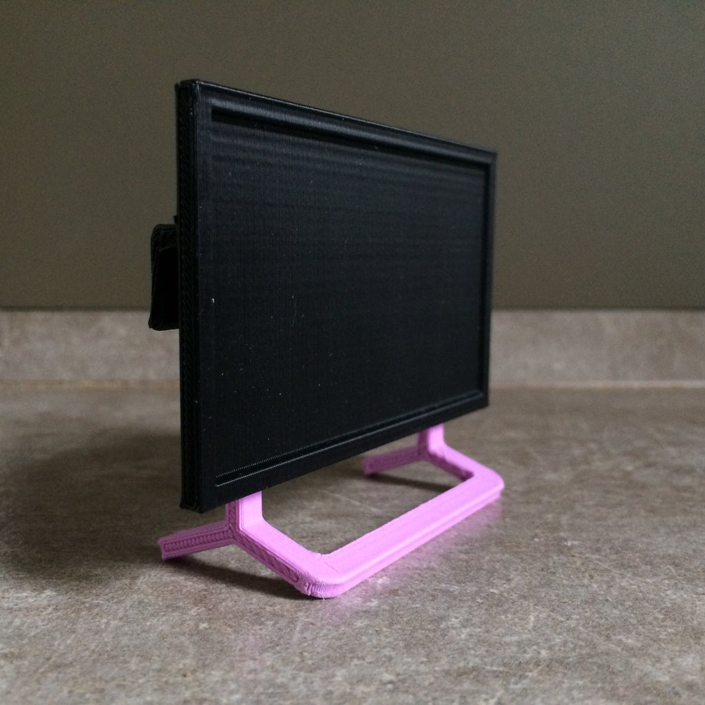 3D Printed Dollhouse Flat-Screen TV
