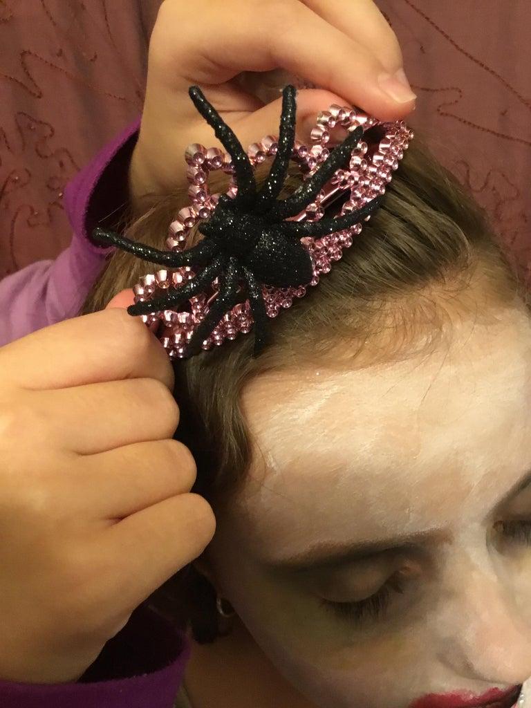 Put Spider Crown on Head