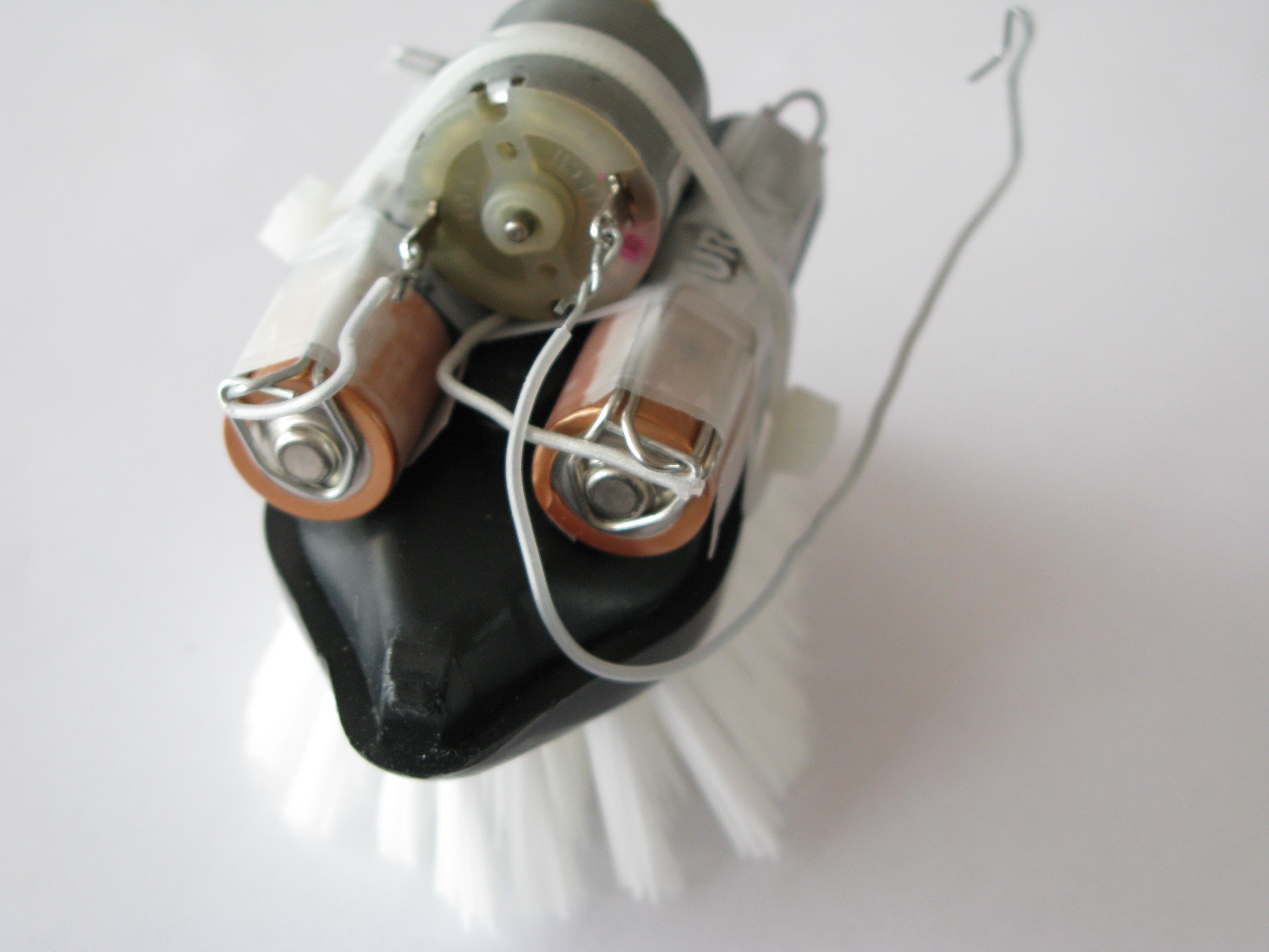 No-Solder, Funny Robot in Minutes (Bristlebot)