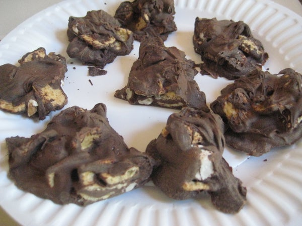 Chocolate & Marshmallow Toast Crunch Clusters With Nuts!!!