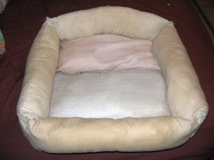 Dog Bed - Recycling Old Pillows