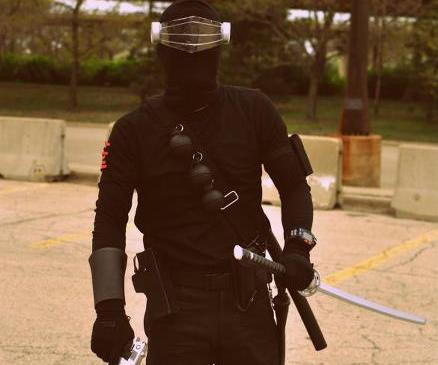"How to Make a G.I. Joe: ""Snake Eyes"" Costume (Version I)"