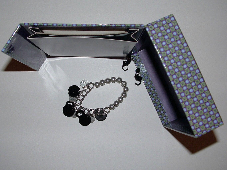 Secret Bracelet Storage Hack