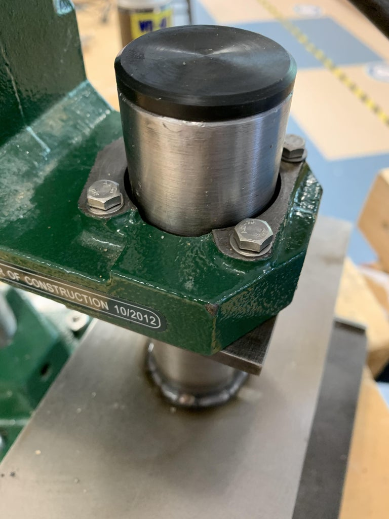 Securing the Compression Plate