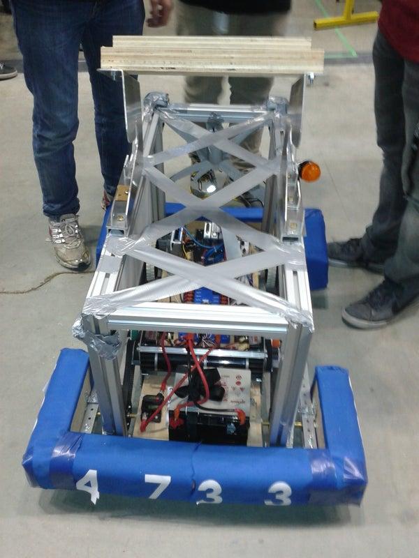 Scarlett Robotics First, F.I.R.S.T Robot :)