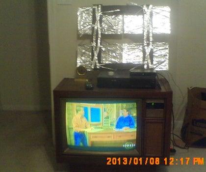 Ehow Outdoor and Indoor DTV Antennas.