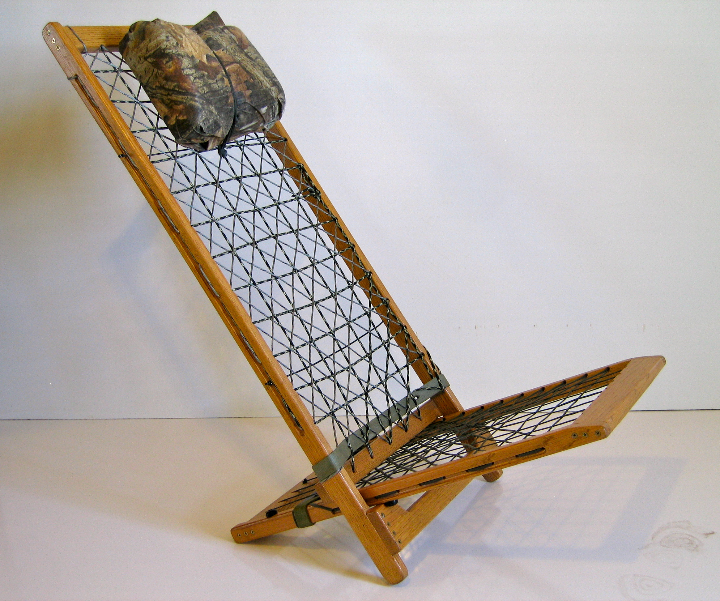 Paracord Chair: Simple, Comfortable, Adjustable & Collapsable