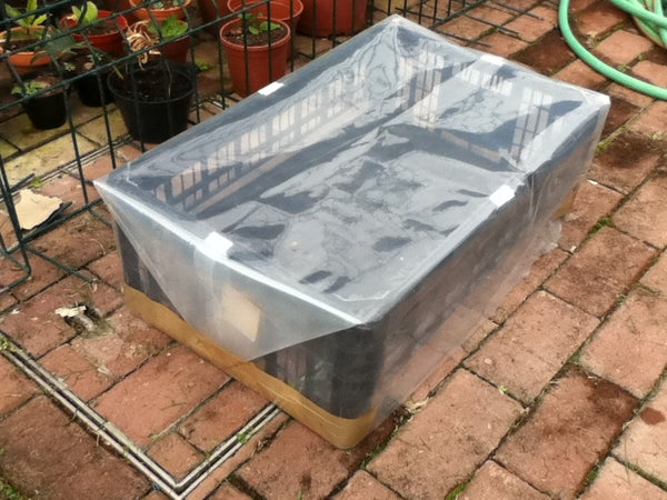 15 Minute Small Greenhouse (under 1 Usd)