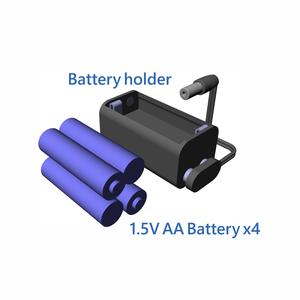 4本の単3電池をバッテリーホルダーに取り付けましょう