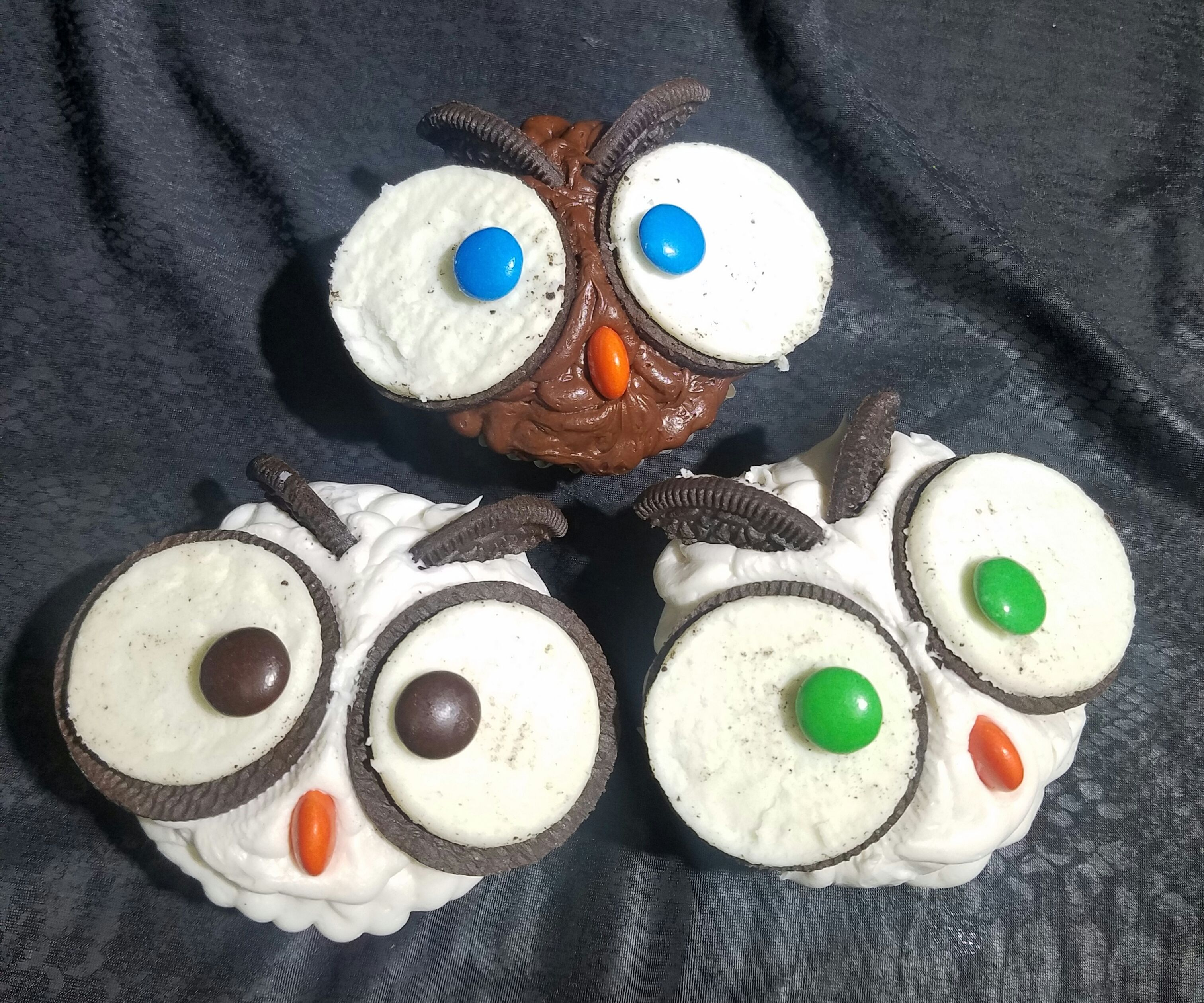 Easy Owl Cupcakes (Hedwig inspired)