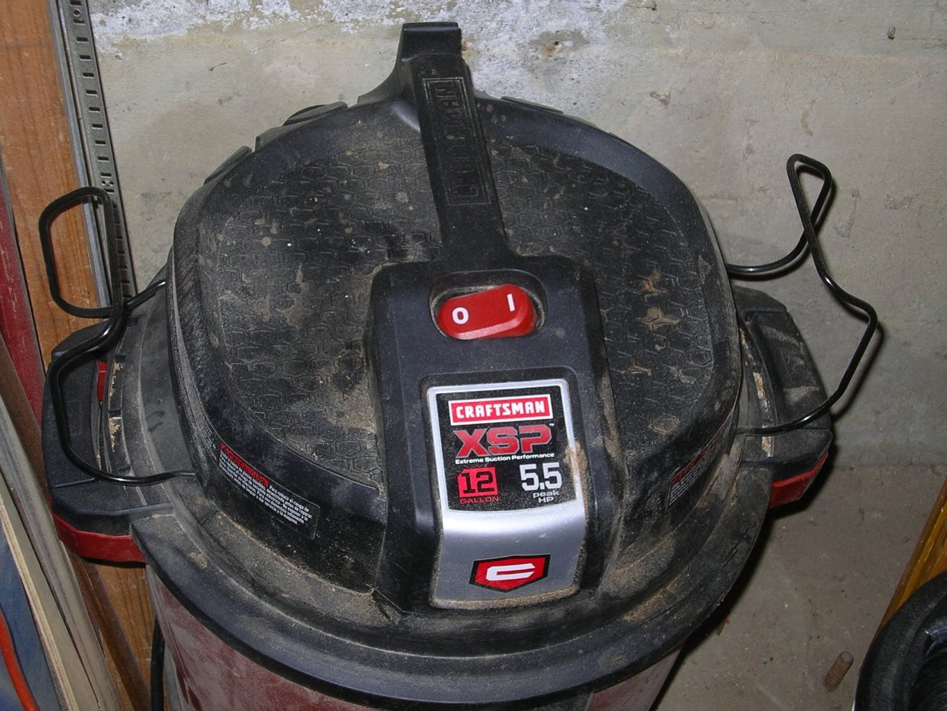Shop Dust Collectior With a Shop-Vac.