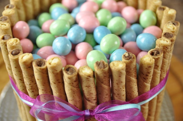 How to Make an Easy Easter Basket Cake