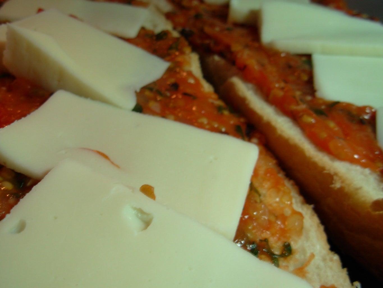 Garden Fresh Bubbly Pizza Bread