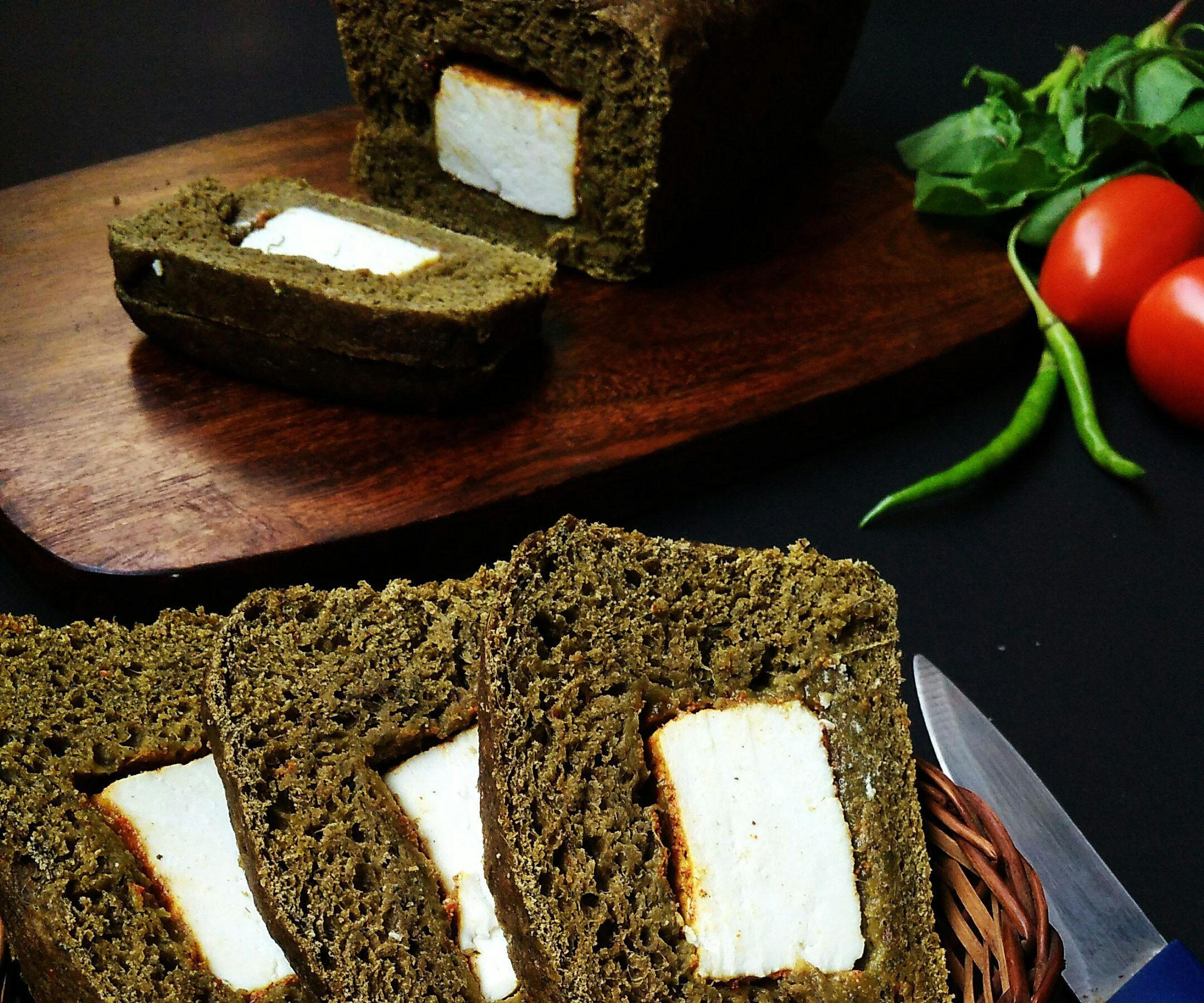 Spinach Bread Stuffed With Spicy Cottage Cheese