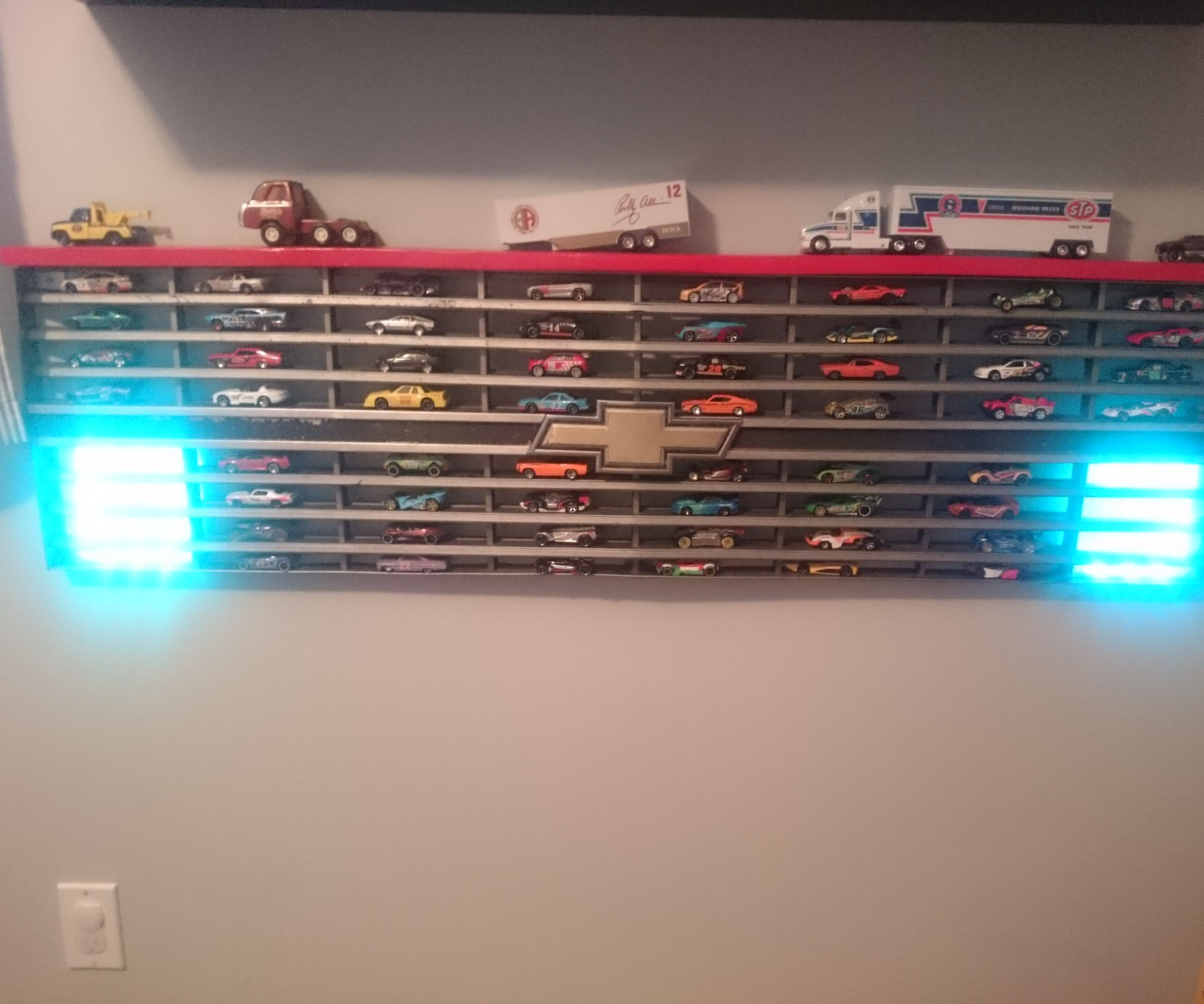 Truck Grille Display Shelf