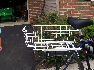 The Expanding Yoga-Mat Compatible Bicycle Basket