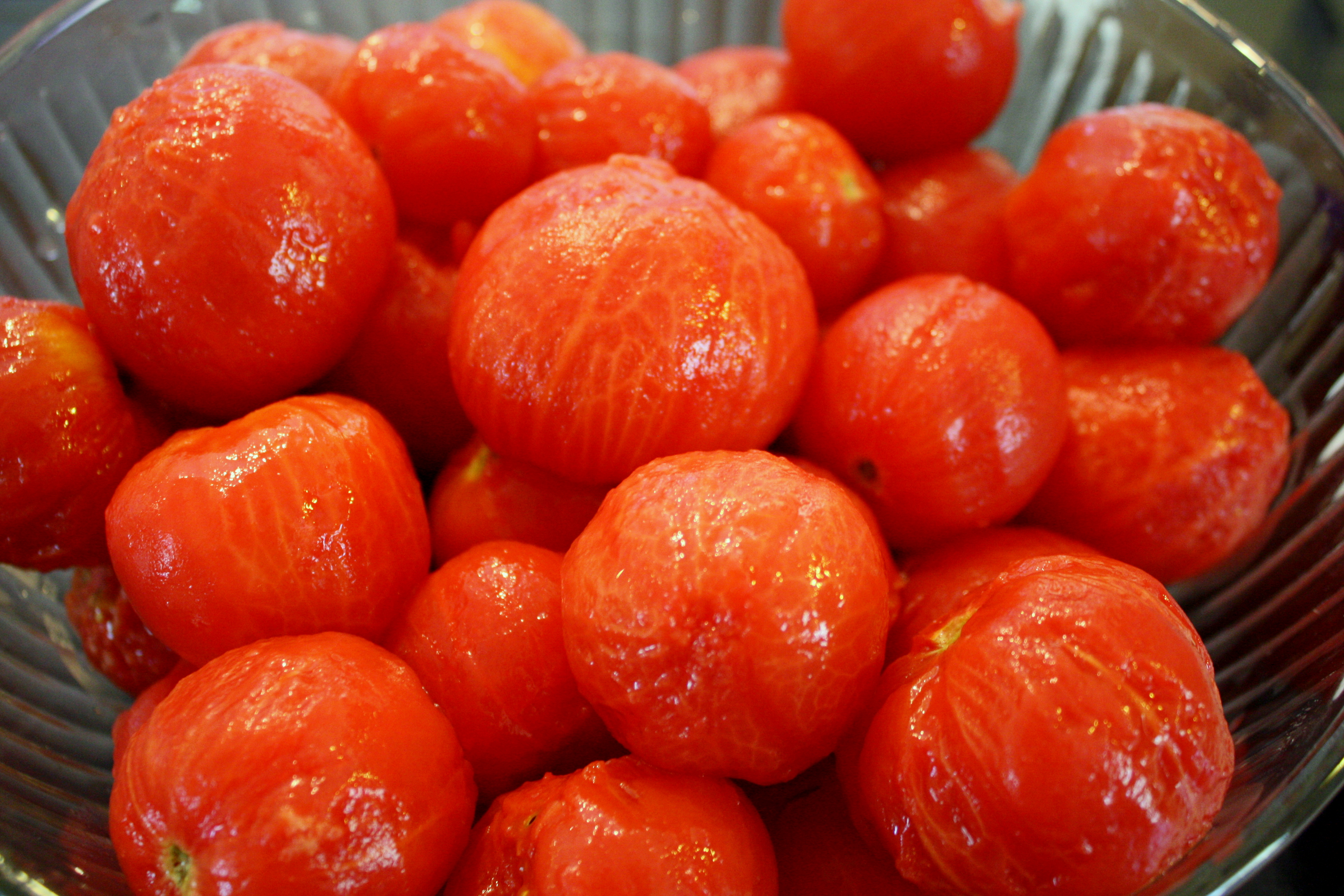 How to Skin Tomatoes