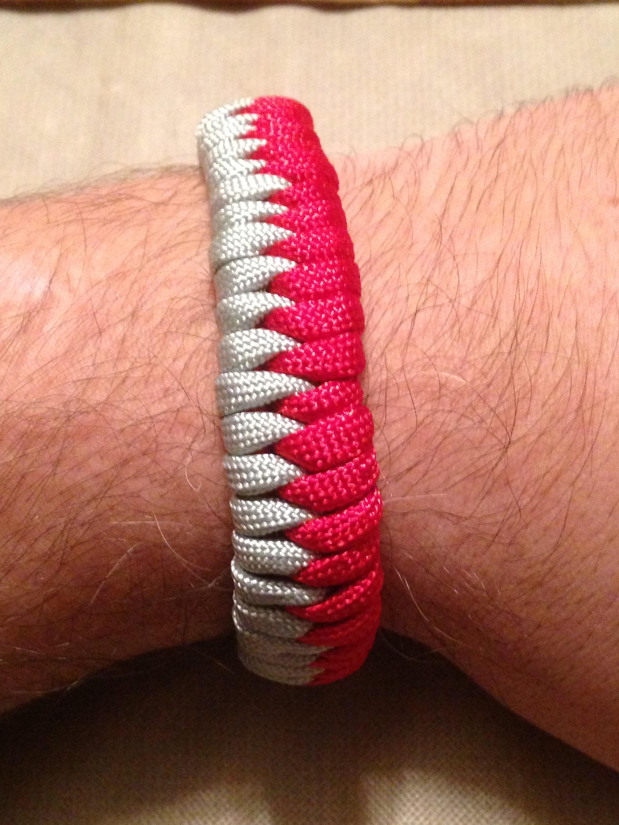Two Color Fishtail Paracord (550) Bracelet