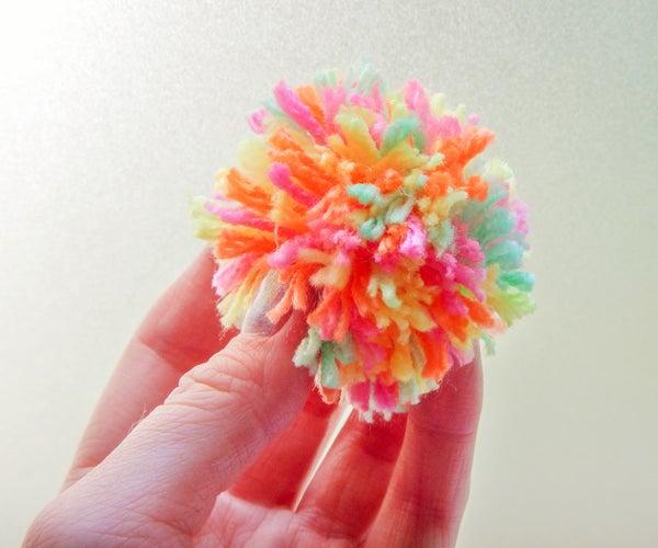 How to Make a Pom Pom With Your Hand