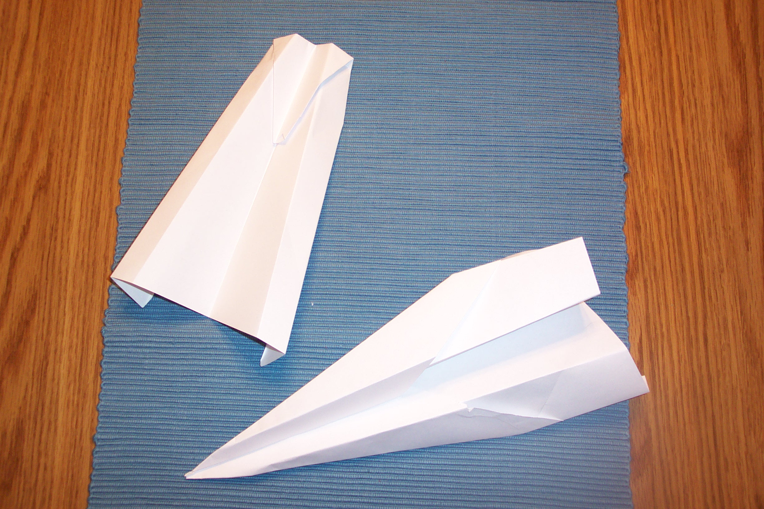 paper airplane tips