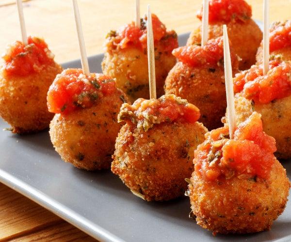 Fried Mozzarella Balls With Homemade Tomato Sauce