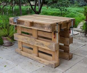 Workbench Made With 3 Pallets, No Tools, No Nails, No Screws