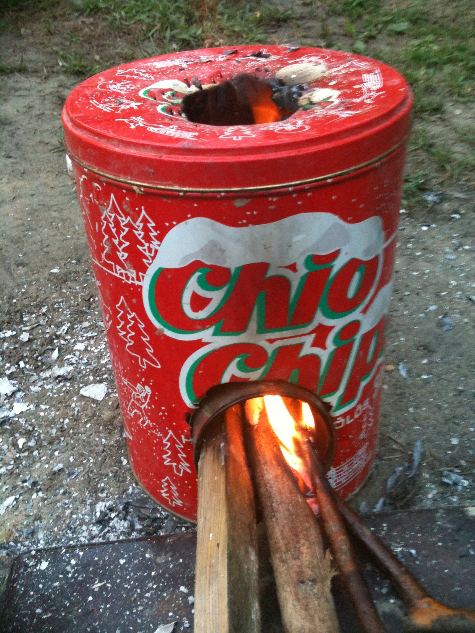 mini rocket stove from chips box