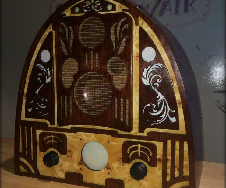 Anachronistic Audio: The Cathedral Radio