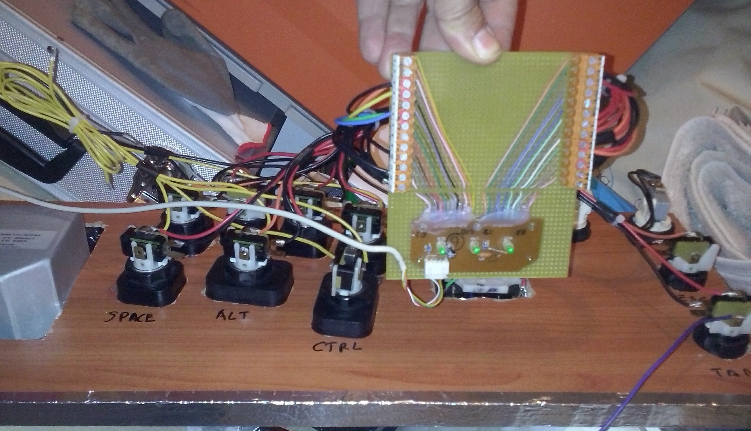 DIY Keyboard Controller for MAME and Virtual Pinball