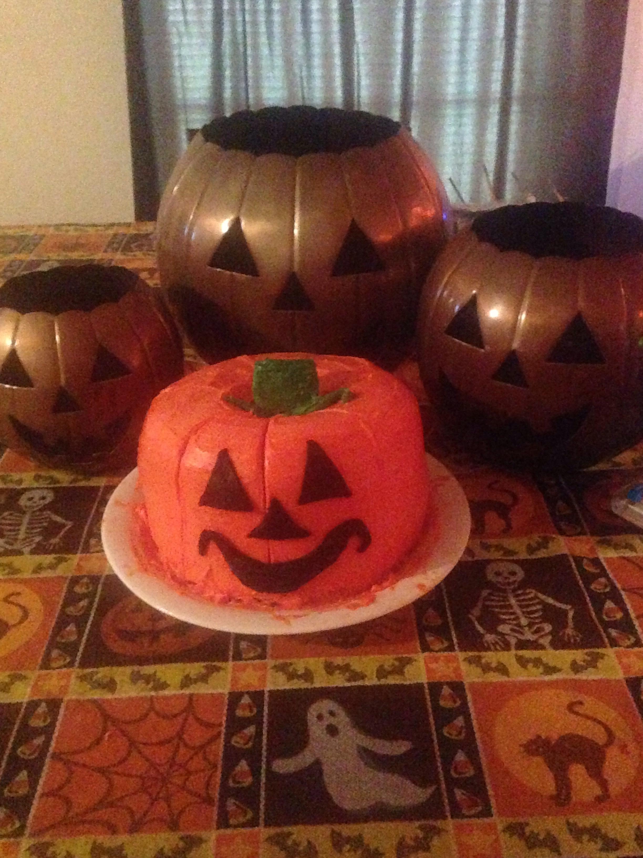 The Great Big Pumpkin Cake