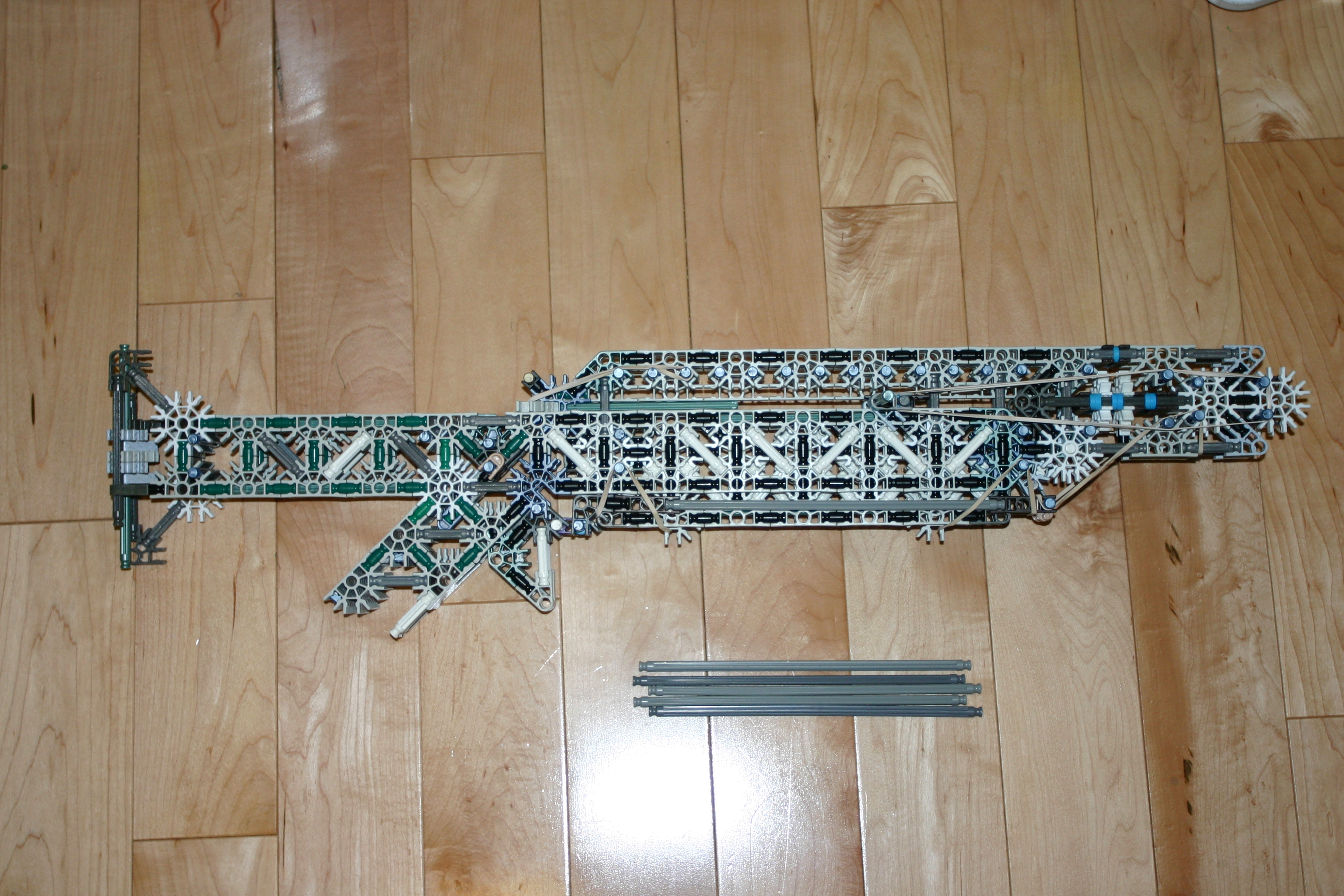 Knetix R-SAR K'nex assault rifle