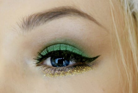 Christmas Makeup Tutorial With Glitter
