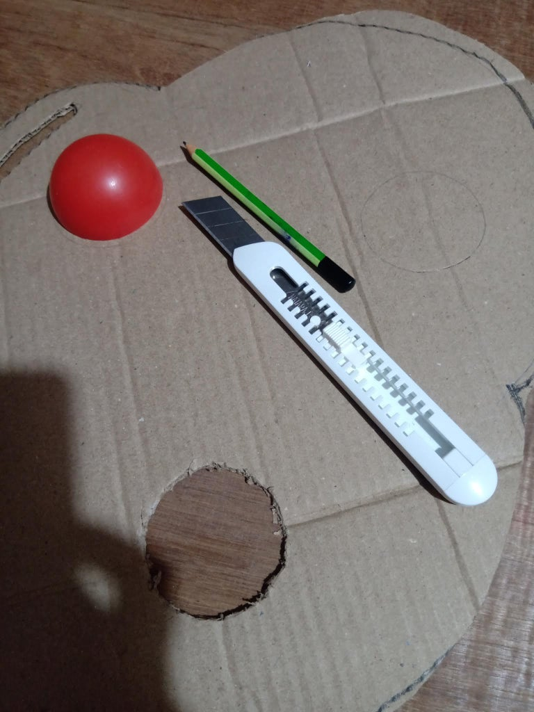 Colour Palette : Slots : With Pencil, Draw Outline of the Plastic Balls Onto the Base