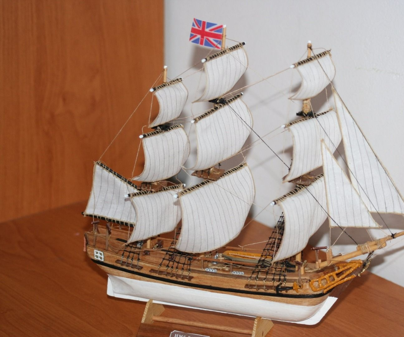 How to build small model ship from kits