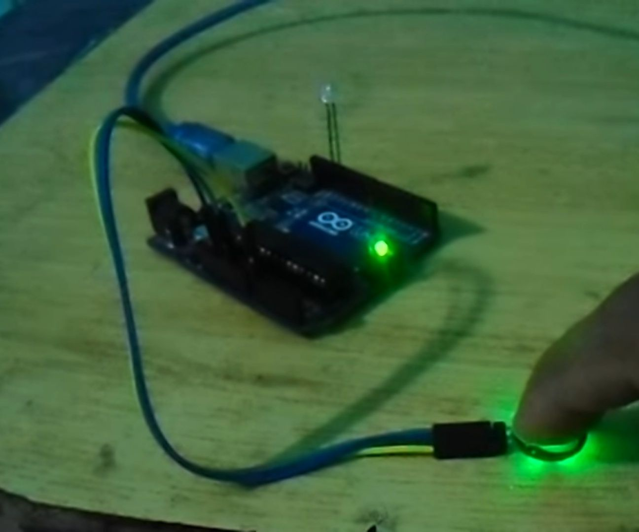 Arduino Pulse Sensor Tutorial   Arduino Heart Rate Sensor