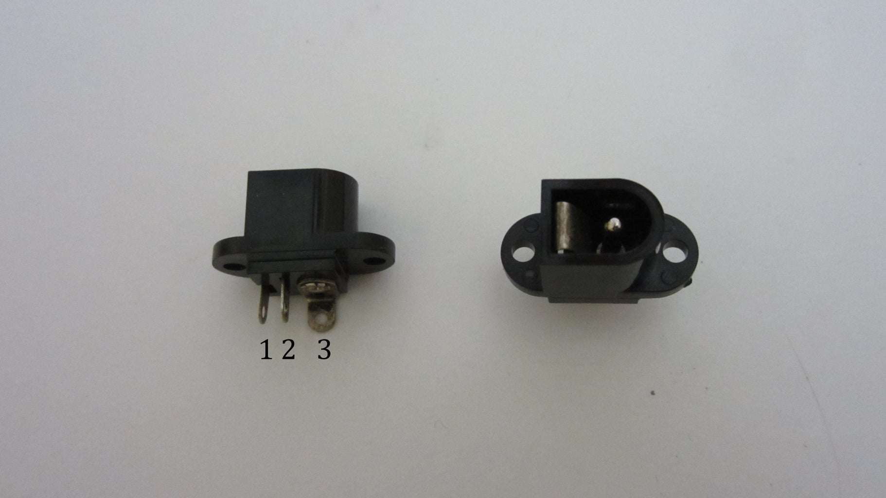 Connect the Power Supply Using a Power Jack With a Built-in Switch