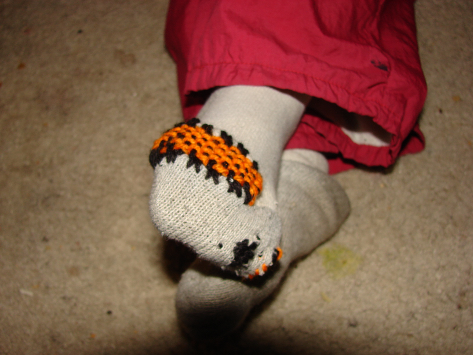 How To Mend A Sock 8 Steps With Pictures Instructables