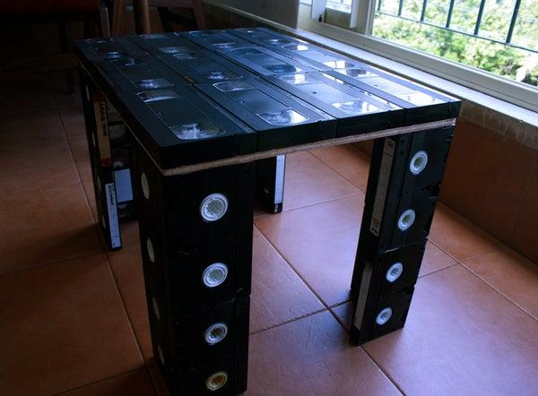 Toploader VHS Table