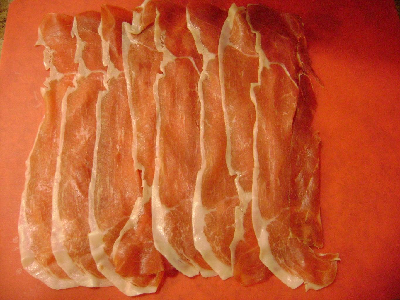 Make a Prosciutto Roll-up