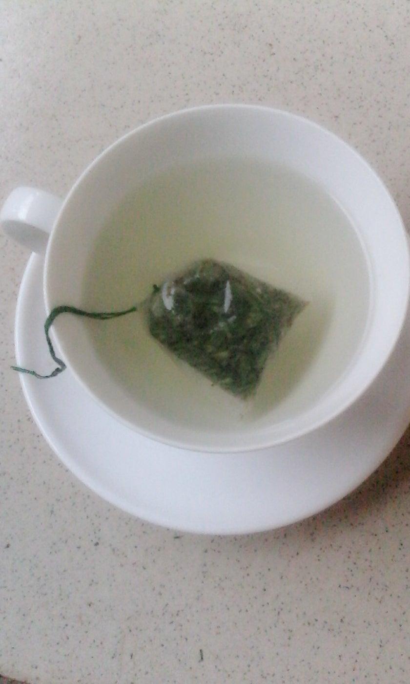 Lemon Grass Sweetened Tea From Scratch